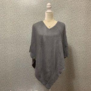❤️WHBM Gray Knit V-Neck Poncho Cardigan XS❤️